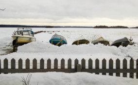 лодки зимой