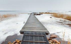 пирс в заливе Ууксунлахти