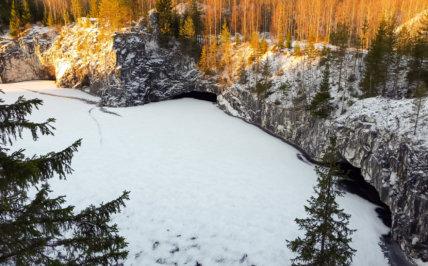 рассвет в Рускеала зимой