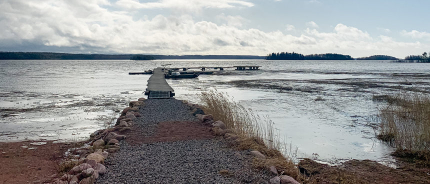 Распаление льда в заливе Уксунлахти